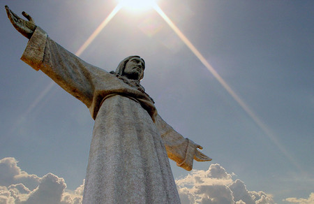 http://vlresources.homestead.com/Christ_Statue.jpg